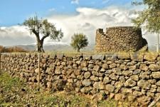Una delle tante azioni finanziabili è il ripristino dei caratteristici muri a secco