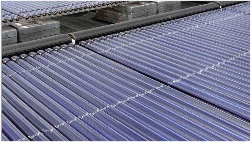 """I collettori solari sono generatori di calore che si distinguono dai generatori di calore convenzionali sotto molti aspetti. La differenza più palese è la fonte di energia primaria impiegata per la produzione di calore, il """"combustibile"""" radiazione solare."""